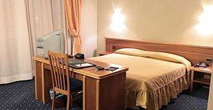 Habitación básica ELE Green Park Hotel Pamphili