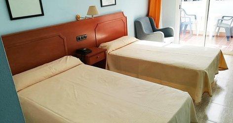 HABITACIÓN DOBLE (2 ADULTOS + 1 NIÑO) CON CAMA SUPLETORIA Hotel ELE Don Ignacio
