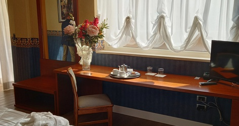 HabitaciÓn familiar ele green park hotel pamphili roma, italia