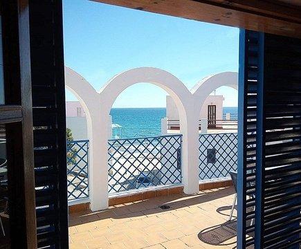 Gran terraza ele apartamentos velas blancas san josé, almería