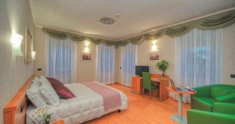 Habitaciones deluxe ele green park hotel pamphili roma, italia