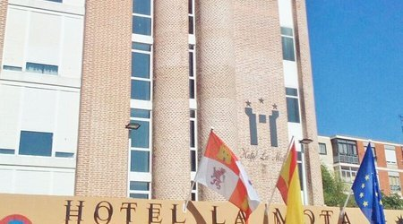 Fachada Hotel ELE La Mota