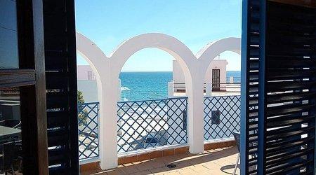 Gran terraza apartamentos ele velas blancas san josé, almería