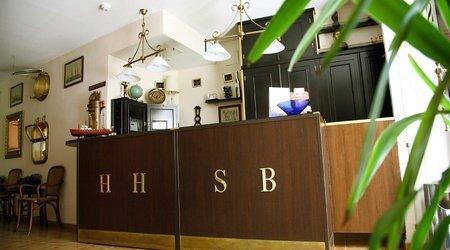 Recepción Hotel ELE Santa Bárbara Sevilla