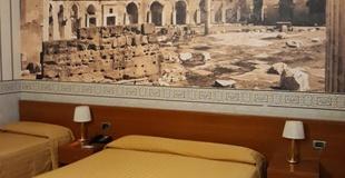 Habitacion triple ele green park hotel pamphili roma, italia