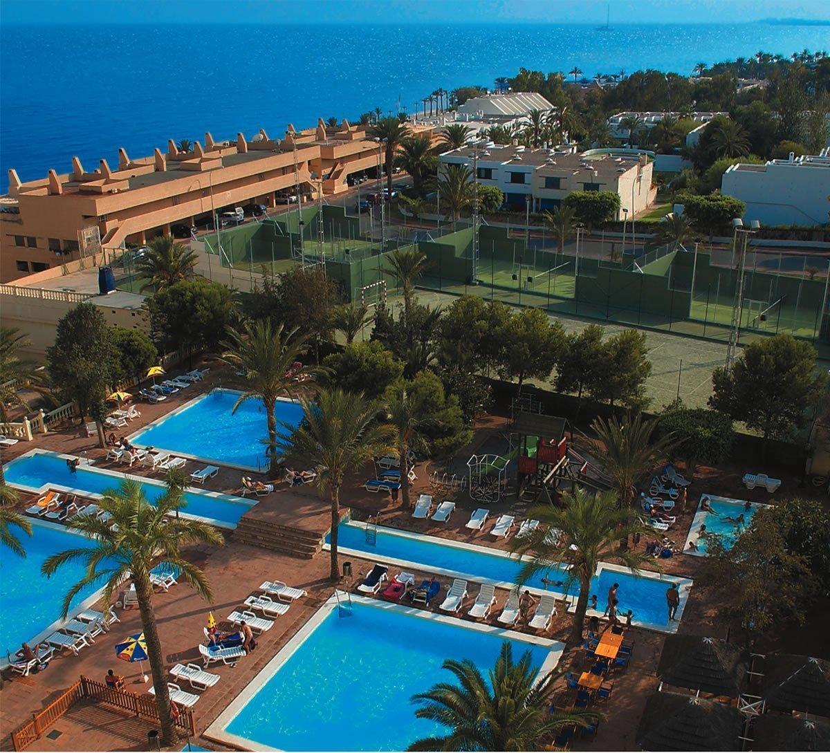 Servicios hotel ath portomagno web oficial servicios 4 for Piscinas almeria